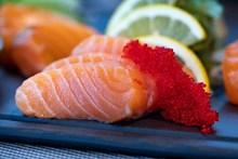 鱼籽酱配三文鱼精美图片