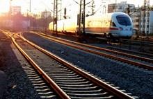 黄昏火车轨道风景图片大全