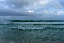 海洋滚滚海浪图片素材