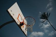 普通篮球架高清图