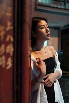 日本美女GOGO人体艺术写真图片素材