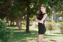 亚洲翘臀性感美女图片素材