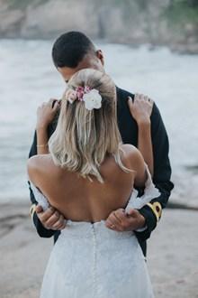 欧美婚纱接吻图片下载