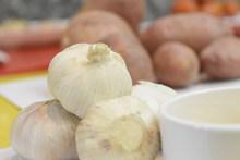 有机蔬菜大蒜图片