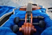 小提琴乐器图片下载