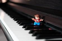 钢琴键盘琴键高清图