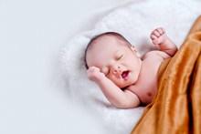 外国新生儿摄影高清图
