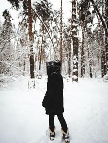 冬季女生背影图片大全