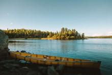 唯美平静湖面高清图