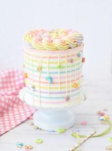 奶油彩虹蛋糕 奶油彩虹蛋糕大全图片下载