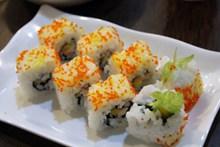 日本鱼子寿司图片素材