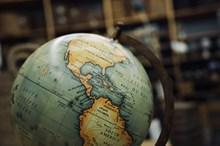旧地球仪图片下载