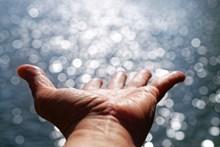 张开五指的手图片素材