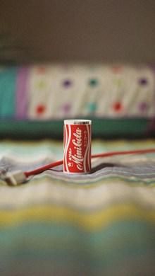 罐装可口可乐图片