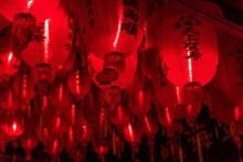 红灯笼高高挂图片