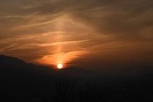 夕阳落山天空图片素材