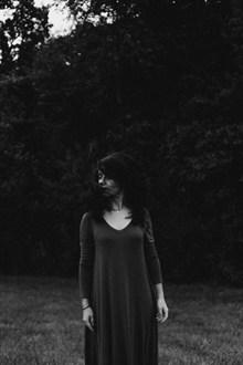 黑白少妇人体艺术照片图片下载