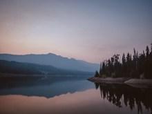 湖光山色风景高清图片
