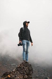 站在山顶的男人 站在山顶的男人大全精美图片
