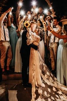 婚礼接吻婚纱摄影高清图