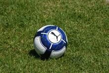 草地美式足球图片素材