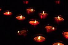夜晚烛光火焰高清图
