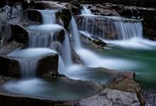 壮观大瀑布水流图片下载