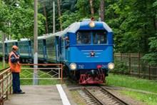 蓝色内燃机车图片