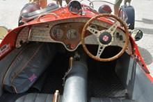 复古汽车方向盘图片