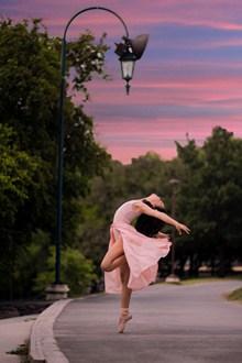 舞蹈美女人体艺术图片