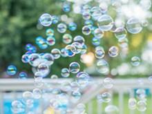 多彩气泡图片