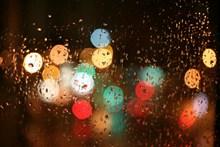璀璨玻璃雨滴背景高清图片