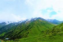 春季高地雪山景观精美图片