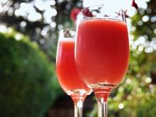 草莓鸡尾酒高清图片