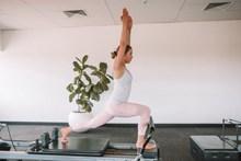简单站立瑜伽动作高清图