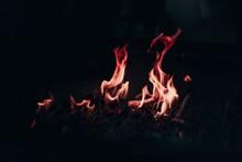 柴火堆火焰圖片素材