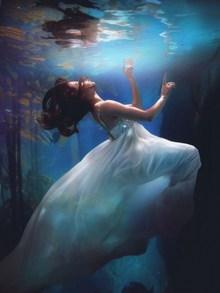 海底婚纱写真个人高清图