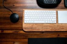 白色电脑键盘图片素材