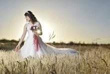 逆光新娘婚纱照高清图