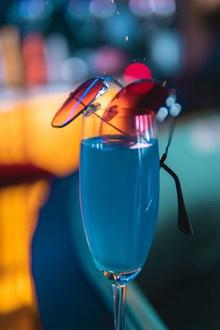 蓝色妖姬鸡尾酒精美图片