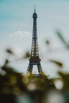巴黎埃菲尔铁塔高清高清图
