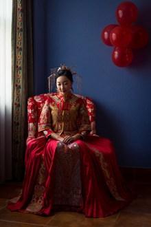红色中式新娘礼服图片