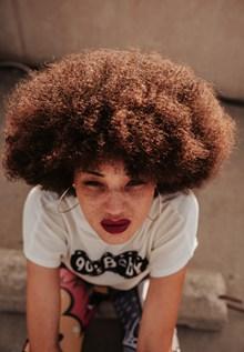 爆炸头短发发型高清图片