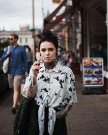 街拍抽烟美女精美图片