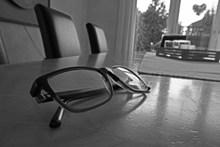 近视眼镜黑白图片素材