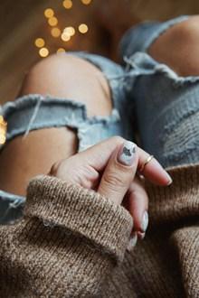 法式短指甲美甲图案精美图片