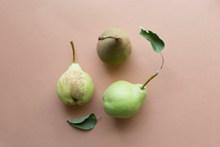 成熟青啤梨图片