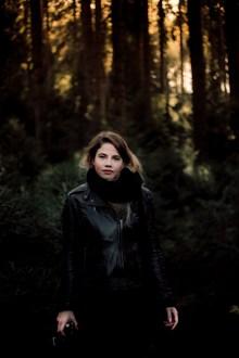 黑色皮衣欧美美女精美图片