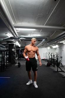 健身房肌肉男人体摄影图片下载