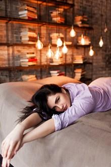 欧美床上美女高清图片
